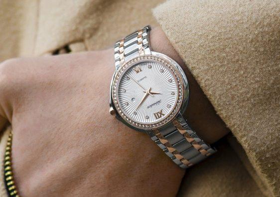 modèles de boîte à montre pour femme
